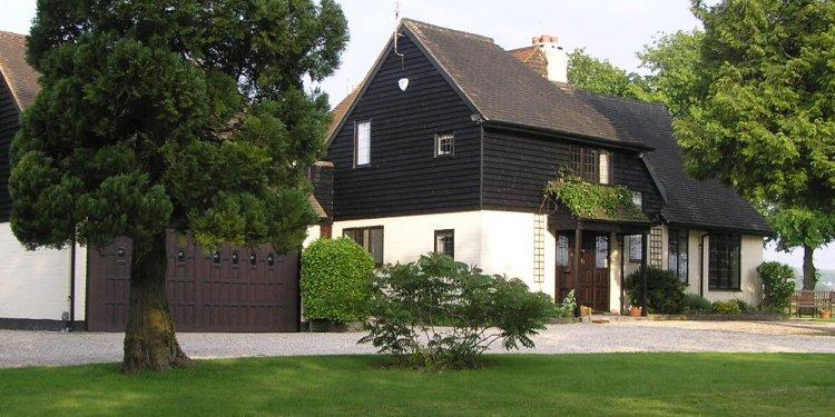 Ridgeway Lodge :: Associates